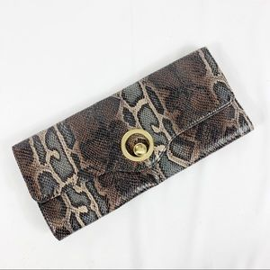 ✨SALE✨ Eloquii Vegan Leather Snake Print Clutch